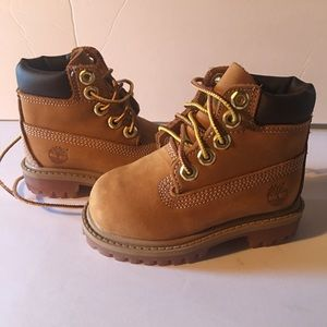 NEW Timberland boots  size 4